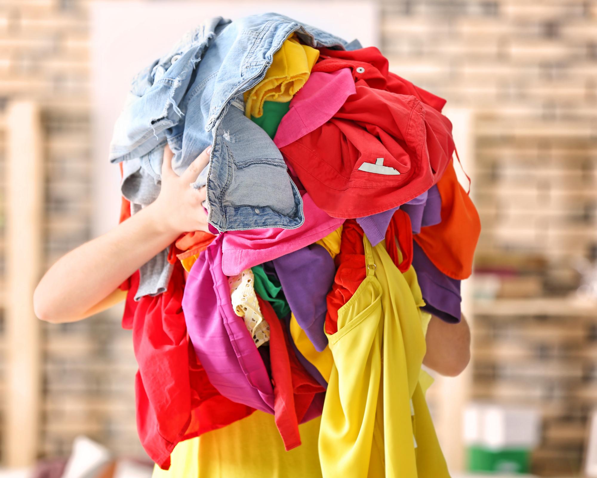 trop de vêtements dans nos placards réutiliser nos vêtements